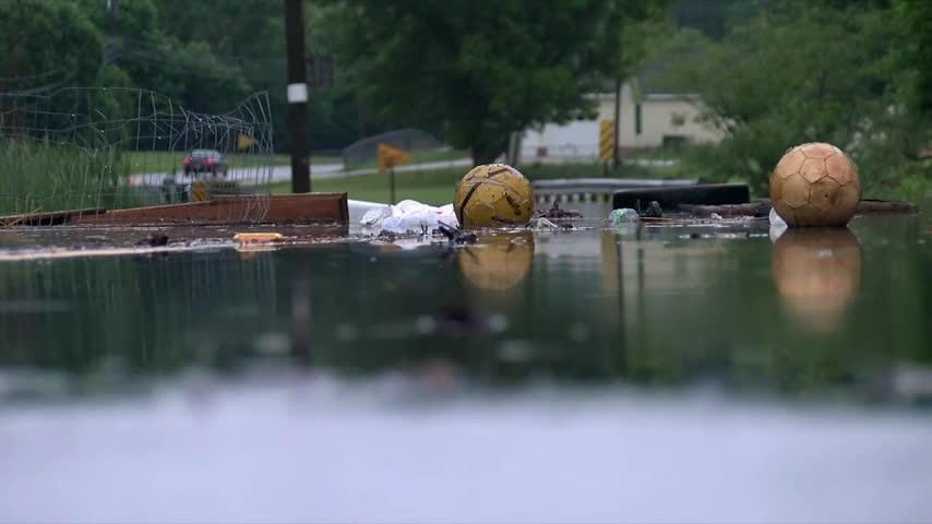 Raw: Alberto rain causes floods, evacuations