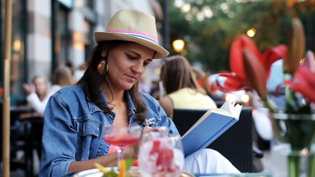 3 hot new books for your summer reading list