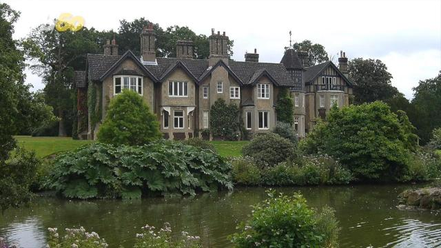 meghan harry s new country home is a gift from the queen