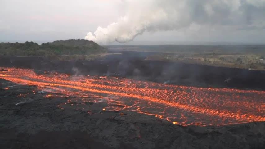 Raw: Wide lava river flows from Hawaii volcano