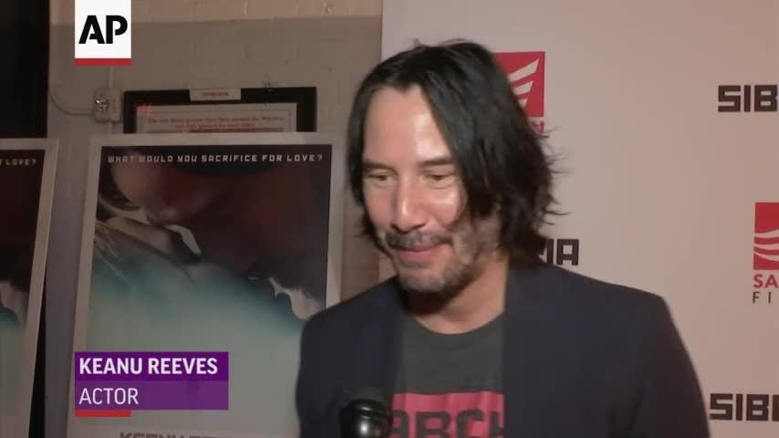 It's official: Keanu Reeves, Carrie-Anne Moss will reunite in all new 'Matrix' movie