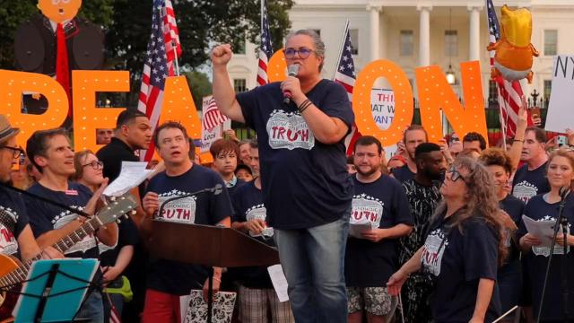 Rosie O'Donnell leads Broadway protest at White House