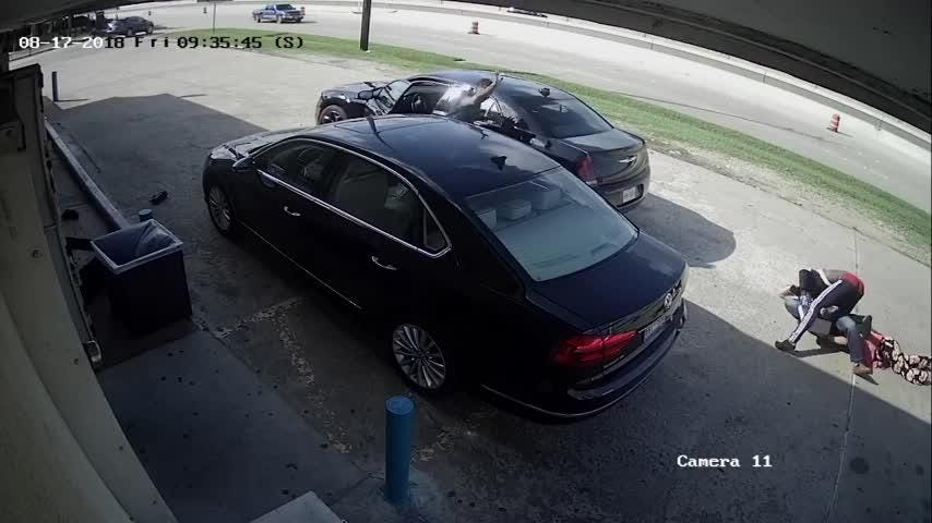 Violent video shows men trying to steal $75,000 from woman