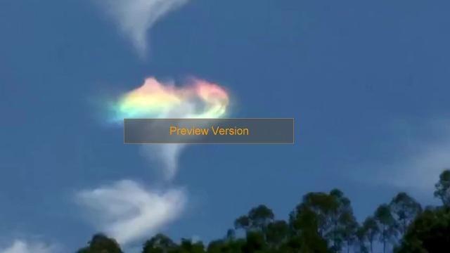 mysterious rainbow cloud stuns skywatchers