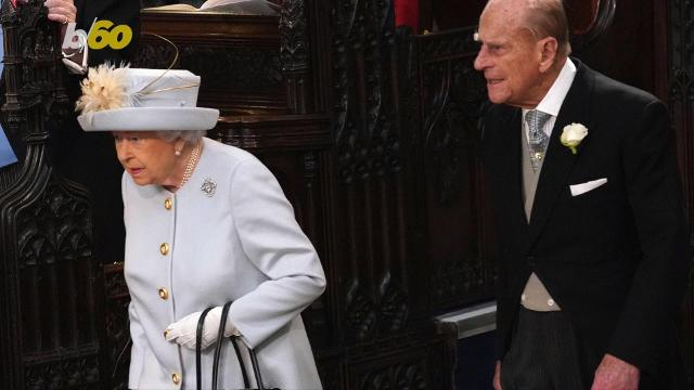 Queen Elizabeth apparently can't travel without this one item that helps her sleep. Buzz60's Sean Dowling has more.