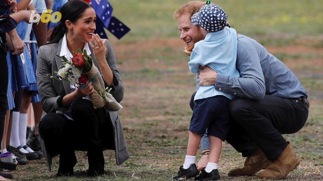 """The """"Markle Effect"""" has now made these fall boots fly off the virtual shelves. Buzz60's Keri Lumm reports."""