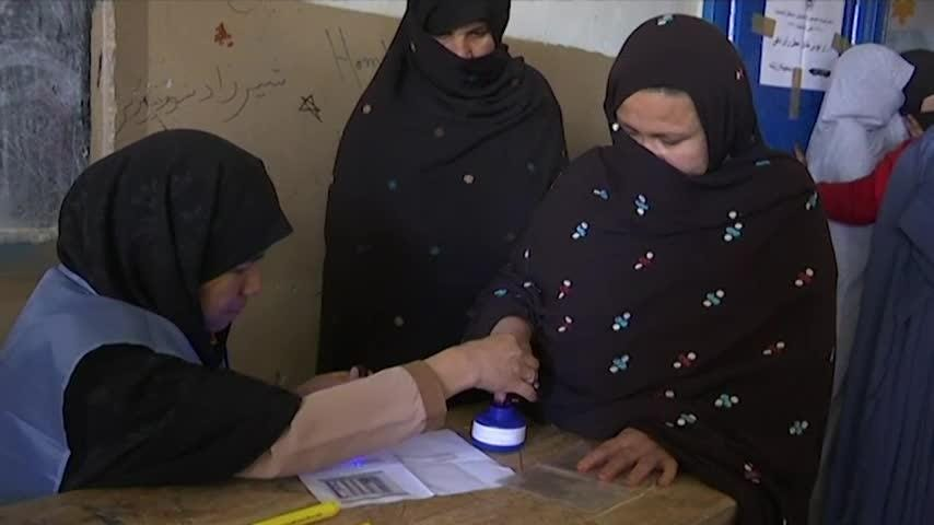 Voters turned out in large numbers in Lashkar Gah, the capital city of Helmand province, to vote in the Afghan parliamentary elections on Saturday. (Oct. 20)