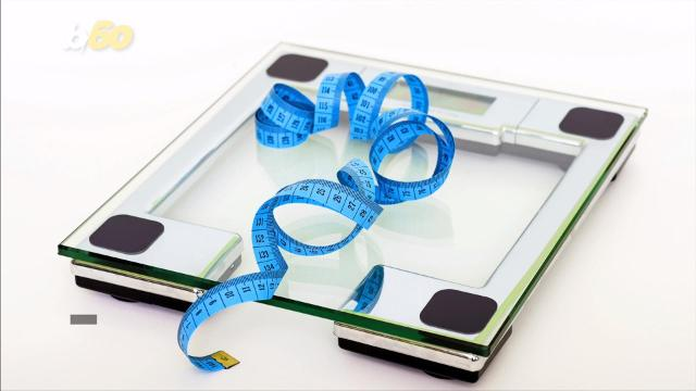 Weighing yourself this often might help you lose weight
