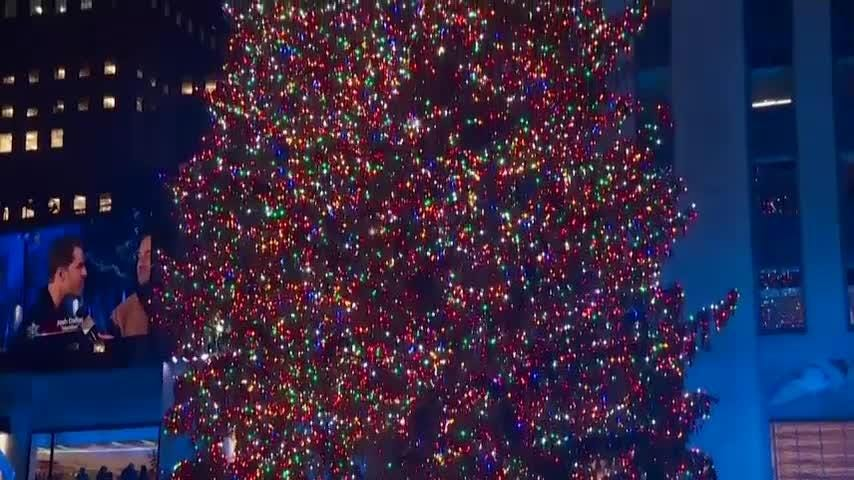 Christmas Tree In Nyc.Rockefeller Center In Nyc Lights Christmas Tree