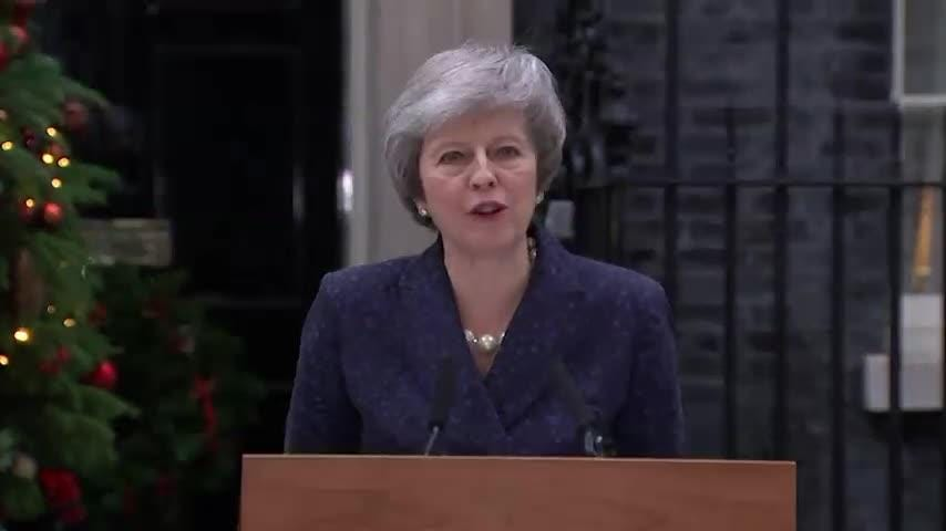 UK's May vows to fight no confidence vote