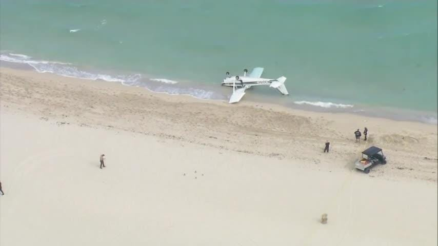 Small plane crashes on a Florida beach; 4 injured