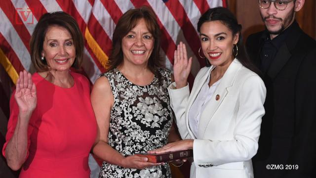 Rep. Ocasio-Cortez 'schools' fellow Dems on social media