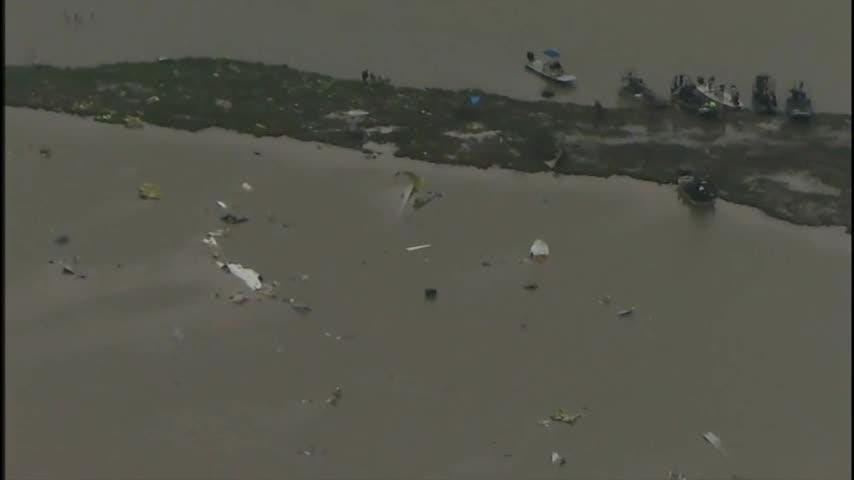 Crews search for Texas plane crash black boxes
