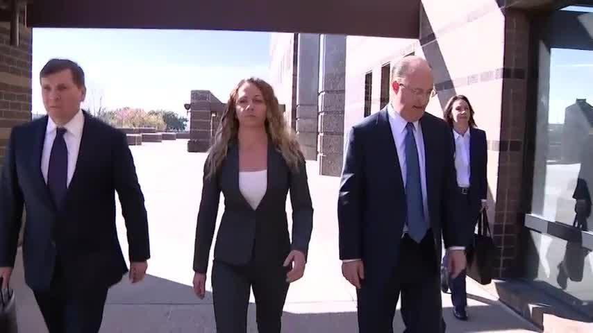 Trial set for former Dallas officer in murder case