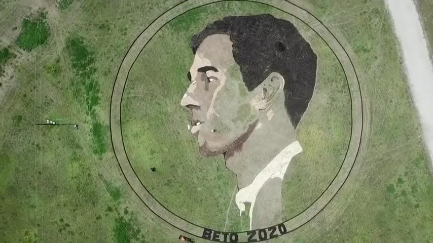 Fan creates two-acre image of Beto O'Rourke