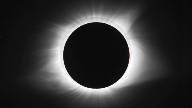 The three-hour solar eclipse in just over 30 seconds