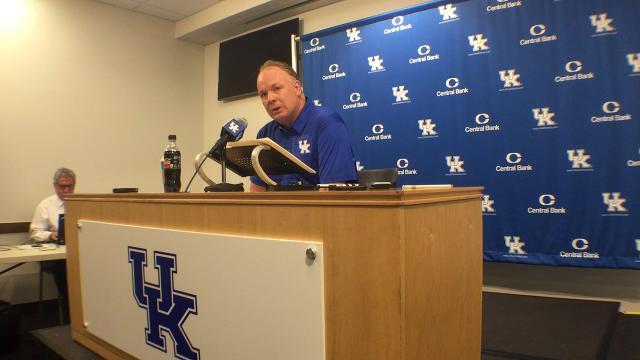 UK coach Mark Stoops previews Florida at weekly presser