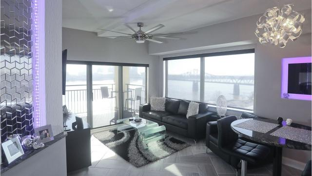 We take you inside this modern condo in Jeffersonville, Indiana, which boasts a beautiful skyline view of Louisville.