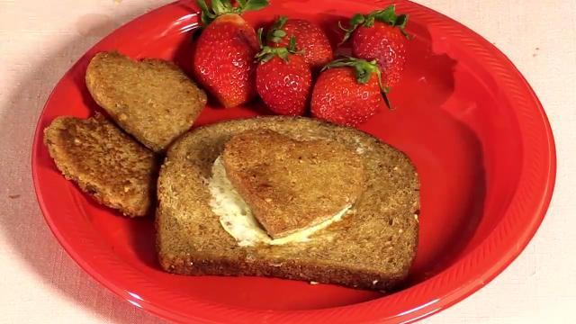 Valentine Hacks: Breakfast in bed