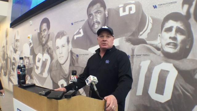 UK coach Mark Stoops updates E.J. Price's status