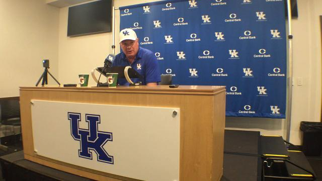 UK coach Mark Stoops reviews 2018 spring game