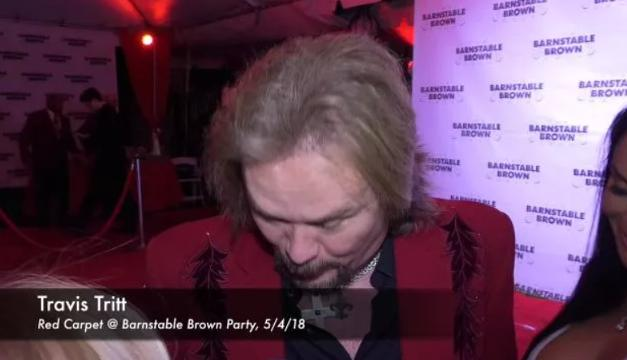 Travis Tritt speaks with the media at the Barnstable Brown Derby Eve Gala.
