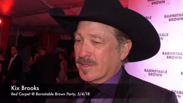 Kix Brooks speaks with the media at the Barnstable Brown Derby Eve Gala.