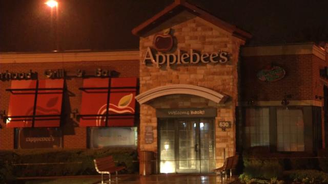 Newark Applebee's employee shot during attempted robbery