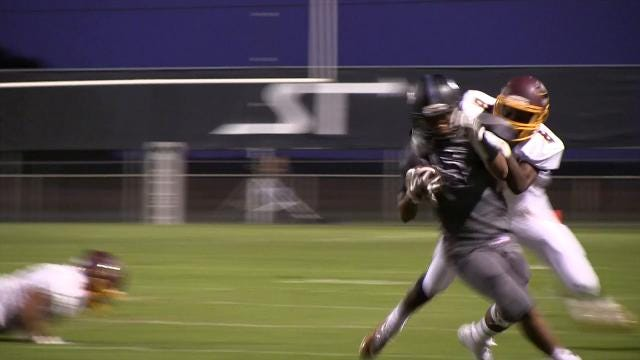 Sussex Tech's Jamiles Small with a 1st down run in the 2nd quarter