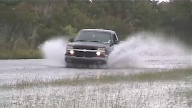 Raw Video: Hurricane Jose causing flooding on Del. 1