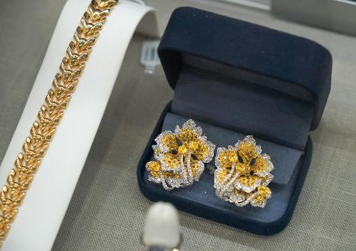 Jewelry store finds new space