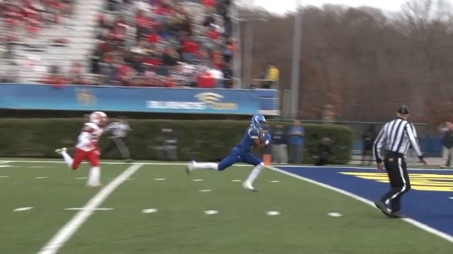 Fry hits Esaias Guthrie on 35-yard TD pass