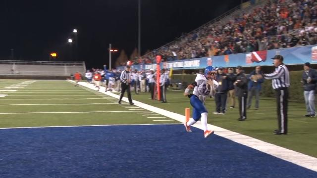 Carson Phillips 12-yd TD pass from VonArx on final play of half