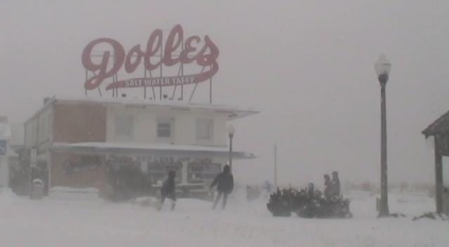 Strong winds and several inches of snow fell in coastal Delaware on Thursday.  1/4/18