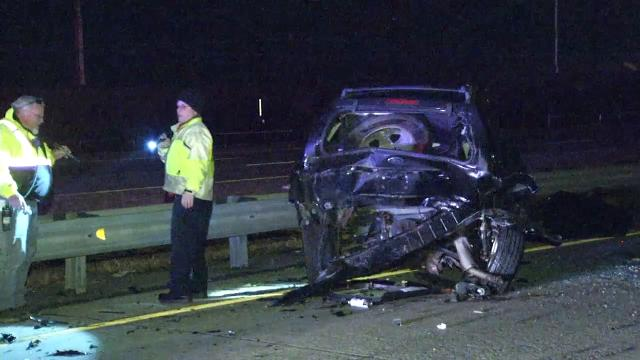 I-495 crash injures 22-year-old man