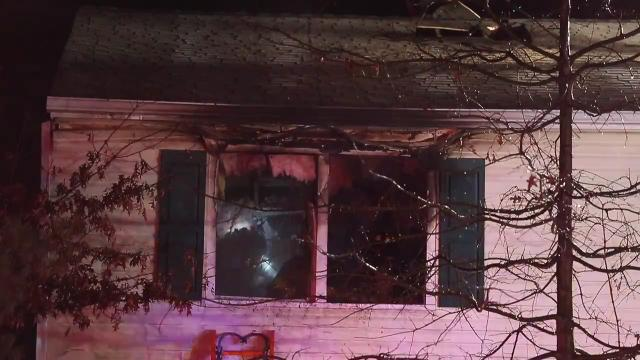 Blaze extinguished in Jefferson Farms home