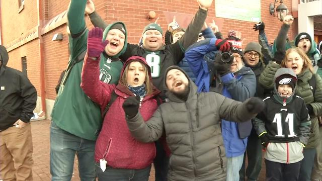 Eagles fans crowd Wilmington train station