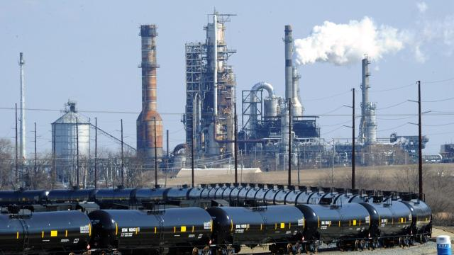 A $100 million upgrade shelved by the Delaware City Refinery in 2016isback in playas the company looks to capitalize on futuredemand for cleaner marine fuels.