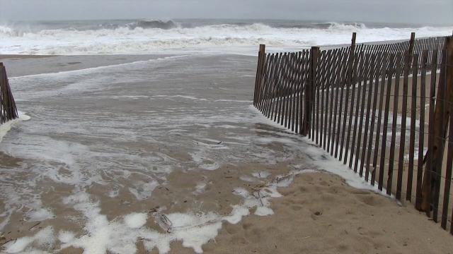 Raw video: waves at Rehoboth Beach