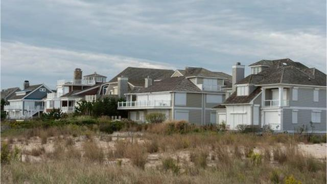 Dueling lawsuits have asked Delaware's Chancery Court to referee a dispute over ocean views near Rehoboth.  10/17/18