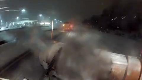 DelDOT crews work through the night and continue to work as snow falls to keep major arteries clear. (02/13/14)