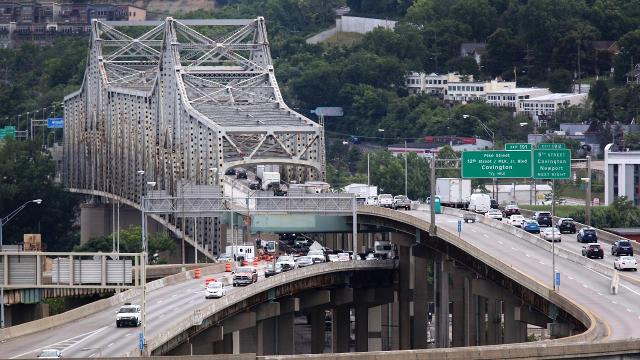 Maintenance slows traffic on Brent Spence Bridge