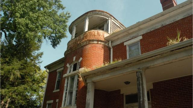 Take a peek inside vacant U.S. Army officer homes closed for decades. The Campbell County, Kentucky, city plans to renovate the 10 brick Queen Anne homes into private residences.