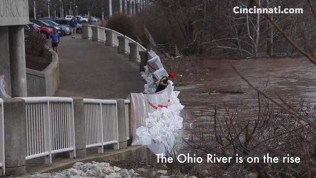 Forecasters are predicting the Ohio River will reach the moderate flood stage in a new warning issued Monday morning.