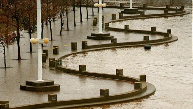 """What are """"moderate"""" floods in Cincinnati?"""