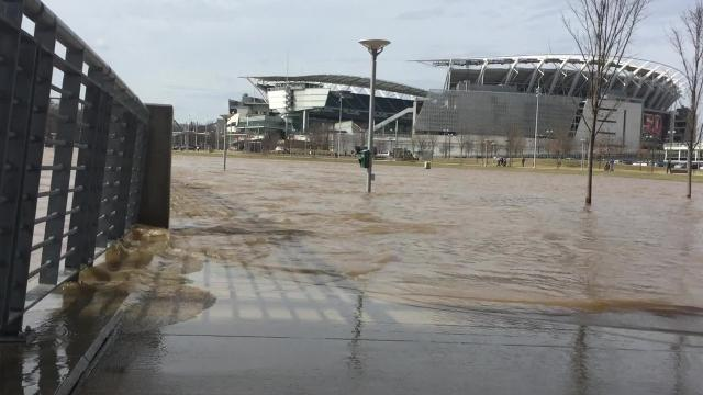 Ohio River on the rise at Smale Park