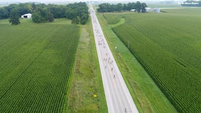 Aerial view of RAGBRAI from Clear Lake to Swaledale