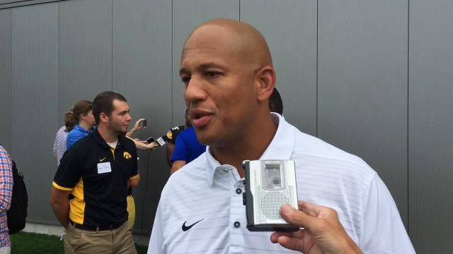 LeVar Woods likes Hawkeyes' young tight end unit