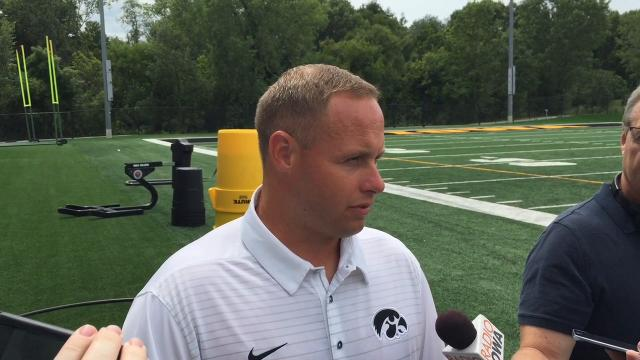 Iowa linebackers learning from seniors