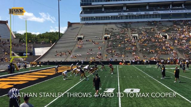 Nathan Stanley throws 4-yard TD to Max Cooper during Iowa's Kids Day open practice
